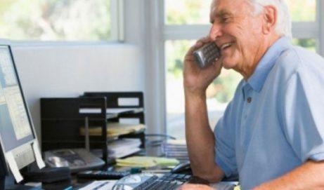 Lavoro dopo la pensione, quando è possibile: obblighi, limiti e trattenute dello stipendio