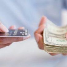 Lotteria degli scontrini: più biglietti a chi paga con bancomat, ma in bar e negozi si rischia il caos