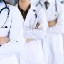 Pagare una visita medica con smartphone non esclude la detrazione ma bisogna sapere quali documenti conservare